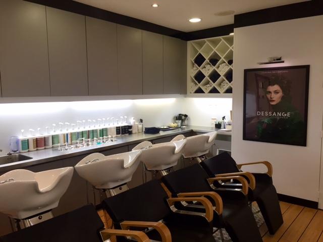 Les bacs à shampooing - Dessange Angoulême