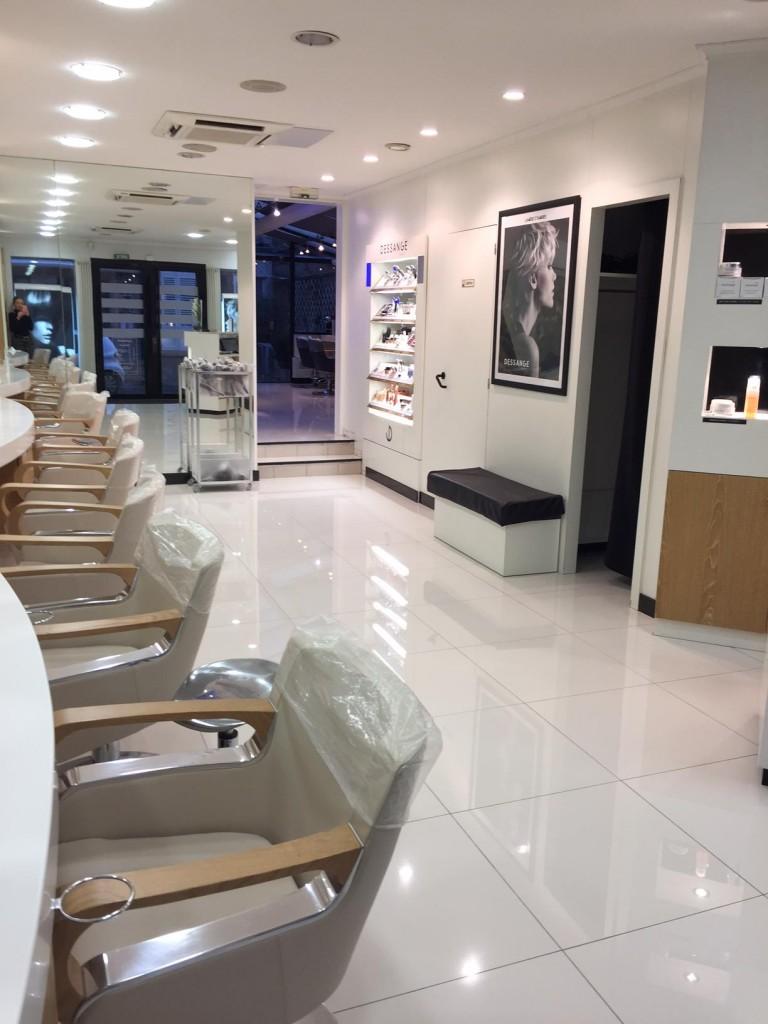 Salon de coiffure charleville m zi res dessange for Salon de coiffure niwel tarifs