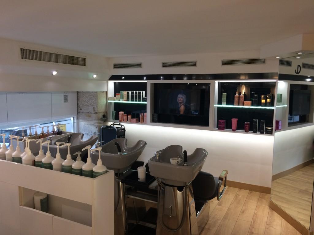 Salon de coiffure grenoble dessange for Dessange salon de coiffure
