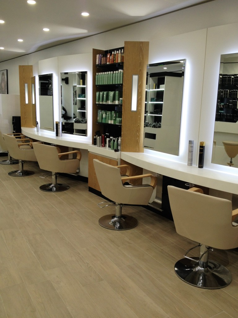 Salon de coiffure carrefour issoire coiffures modernes for Carrefour salon