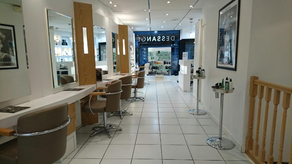 Salon de coiffure nantes paix dessange for Dessange salon de coiffure