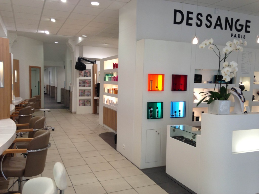 Salon de coiffure nantes dessange for Salons nantes