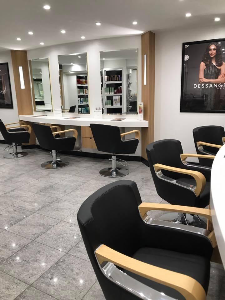 Salon de coiffure porte d orleans 28 images le havre for Porte revue salon de coiffure