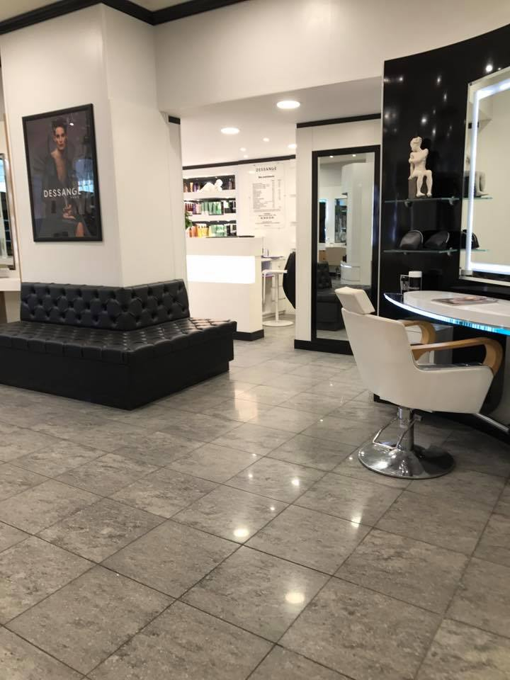 Salon coiffure et maquillage orleans coiffures f minines for Orleans salon