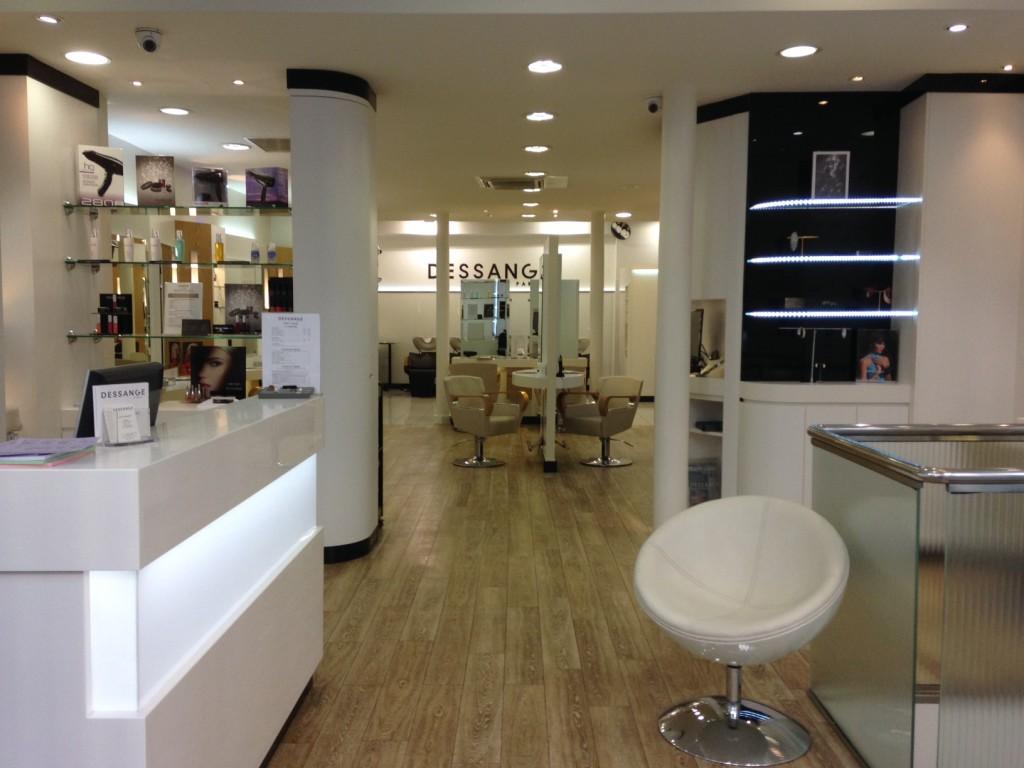 Accueil du salon de coiffure Dessange Paris Bastille