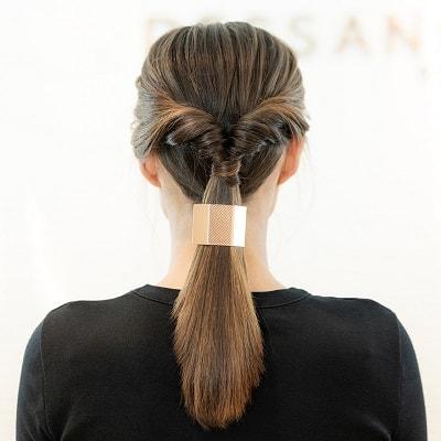 coiffure ponytail twistee