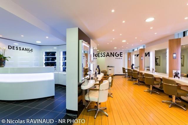Salon de coiffure p rigueux dessange for Avis salon de coiffure