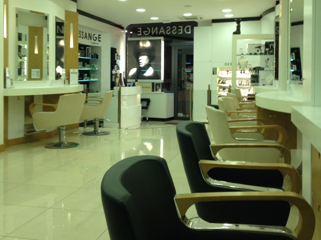 Le salon de coiffure à Sanary - Dessange