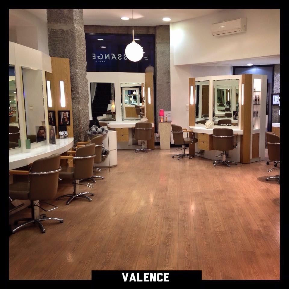 Vente salon de coiffure valence coiffures f minines et for Vente salon de coiffure