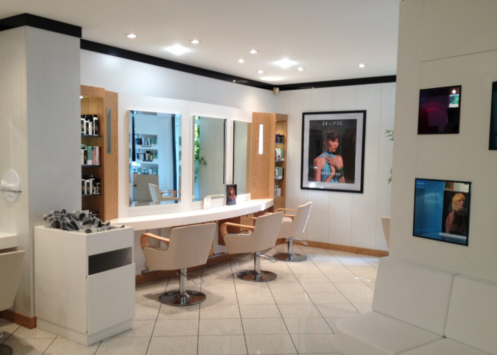 Coiffure au salon Dessange Valenciennes