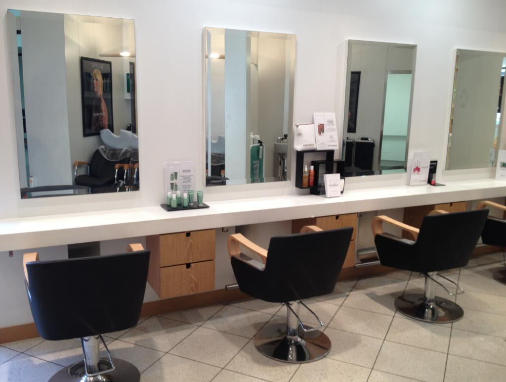 Salon de coiffure valenciennes dessange for Salon mondial de la coiffure