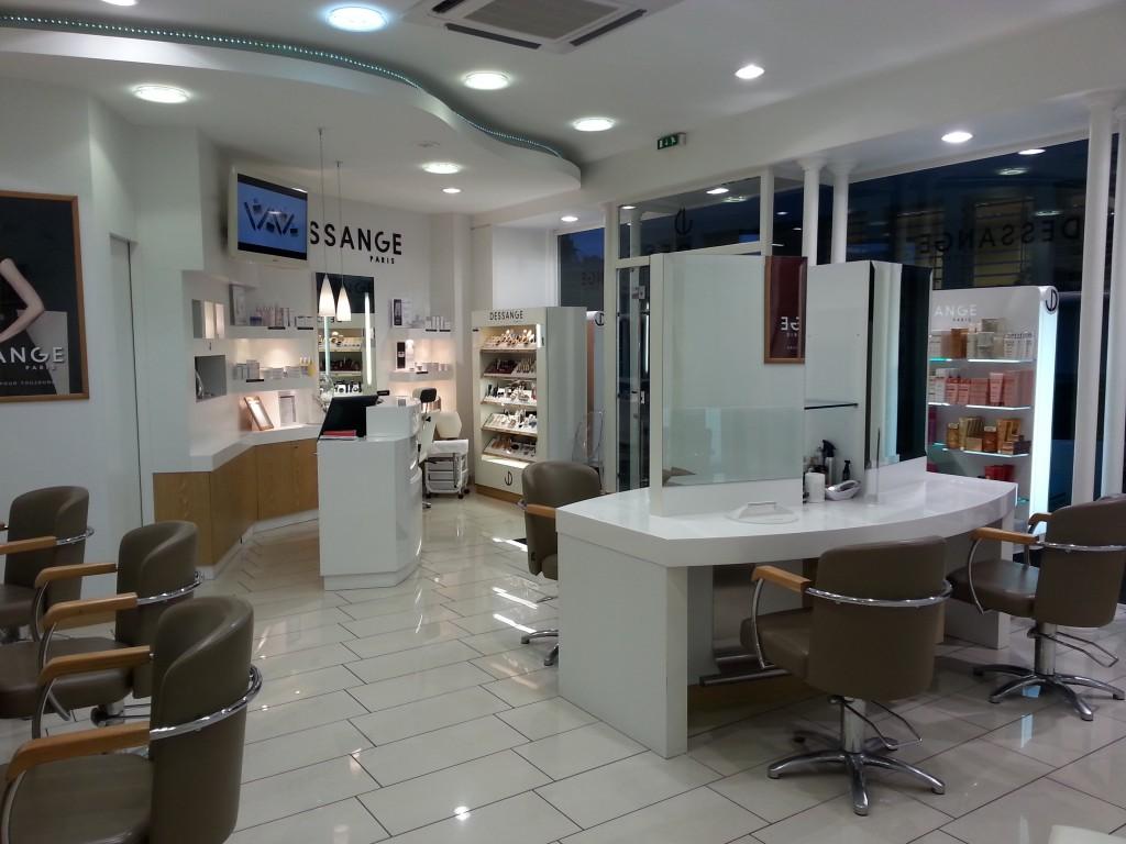 Salon de coiffure vannes dessange for Dessange salon de coiffure