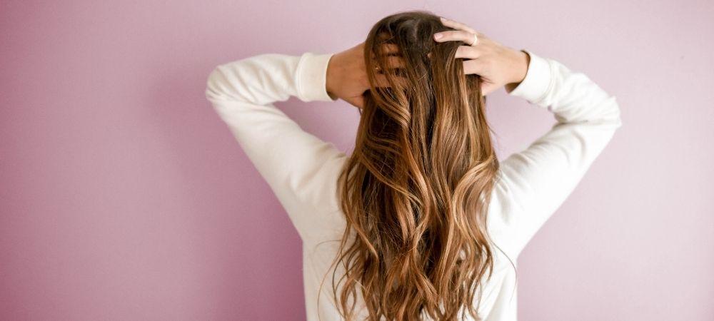 Pose d'extensions coiffeur Dessange